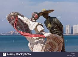 dancers statue statue of mexican dancers on the malecon vallarta jalisco