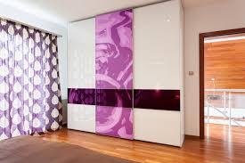 chambre violet blanc chambre violette 20 idées décoration pour un chambre originale