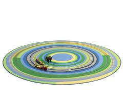 teppich kinderzimmer rund kinderteppich und spielteppich mit wundervoller landschaft rund