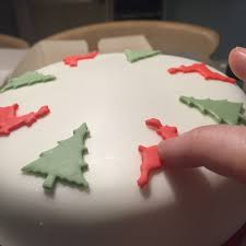 6 easy steps to decorating your own christmas cake judith bond cakes