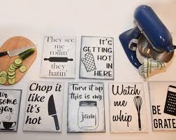 Ideas For Decorating Kitchen Walls Best 25 Kitchen Artwork Ideas On Pinterest Funny Kitchen Signs