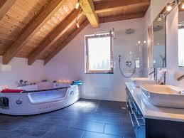 badezimmer mit sauna und whirlpool ferienhaus fronwald fewo direkt