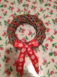 quick christmas wreath knit stitch sew a beautiful wreath