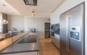 Esszimmer Hattingen Geräumige Moderne Küche Mit Einem Esszimmer Verbunden