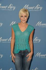 kellie pickler hairstyle photos more pics of kellie pickler pixie 10 of 14 short hairstyles
