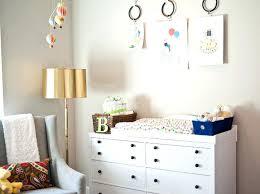 tableaux chambre bébé peinture pour chambre enfant pour idee peinture pour chambre bebe
