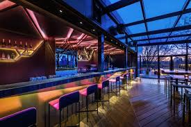 A Place Vue Moon Bar The Place To Be For A Refreshing Drink With