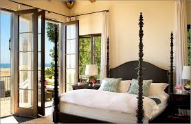 mediterranean bedroom interior design ideas with ivory wall paint