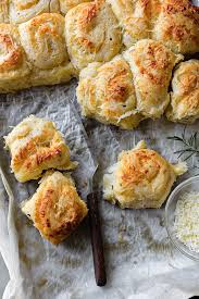 garlic rosemary pull apart dinner rolls with asiago cheese