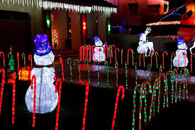 Red And White Christmas Lights How To Do Your Holiday Lights Right Redfin