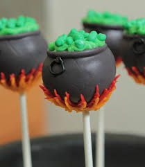 Nerdy Nummies Halloween Cakes Cute Little Cauldron Cake Pops Courtesy Of The Ever So Talented