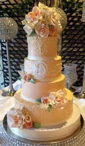Wedding Cake Gum Ivory And White Buttercream Wedding Cakes Sweet Cakes By Rebecca