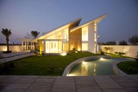 Contemporary House Design by Contemporary Residence Bahrain House Architected By Moriq