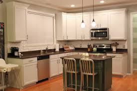 what kind of paint to use on kitchen cabinets hbe kitchen