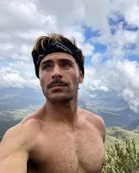 Zac Efron Zac Efron Goes Shirtless For A Hike E News