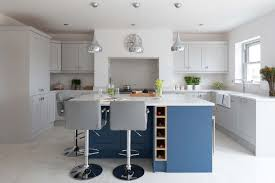 how to accessorize a grey and white kitchen how to decorate a grey kitchen kitchen inspiration
