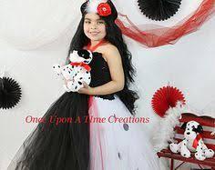Cruella Vil Halloween Costumes Coolest Homemade 101 Dalmatians Cruella Deville Costume Ideas