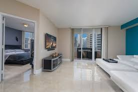 just listed spacious 1 bedroom condo at two tequesta point