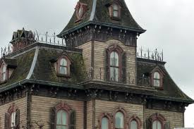 the 8 most haunted houses in new york photos huffpost