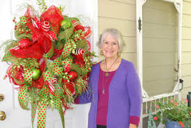 christmas mesh wreaths learn to make this deco mesh wreath ladybug wreaths by nancy