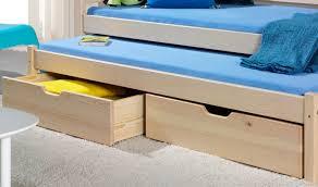 chambre enfant bois massif lit gigogne enfant en bois massif couchage principal et d appoint