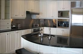 retaper armoire de cuisine cuisine bois retaper armoire de cuisine en bois