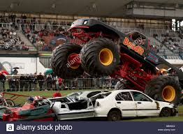 bigfoot the monster truck monster truck crushing cars bigfoot suv four by 4 4x4