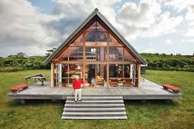 coastal prefabs that bring modular housing to the beach