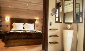 chambre avec lambris blanc lambris mural chambre trendy lambris mural en bois dans la chambre