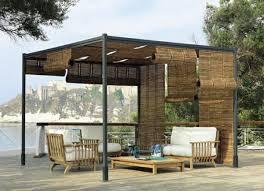 pergola bauen modern sitzecke bambus sessel dachterrasse ideen