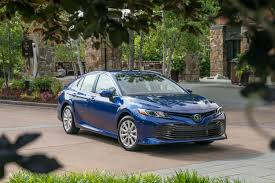 2018 toyota camry still vanilla but with a cherry on top