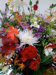 natural flower arrangement from garden to vase howbert u0026 mays
