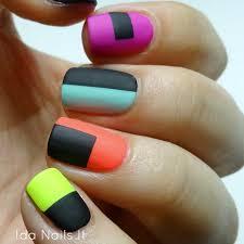 ida nails it paint all the nails presents color block