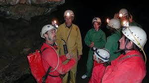 famille bureau speleologie grotte siech famille bureau guides ariege pyrenees 4