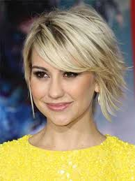short hairstyles for women showing front and back views choppy layered haircut in blonde with darker root showing through