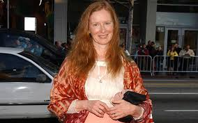 Frances Conroy - revealed the story behind frances conroy eye know her married