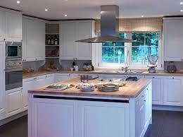 mi bois cuisine comment construire un ilot central de cuisine 7 maison en bois mi