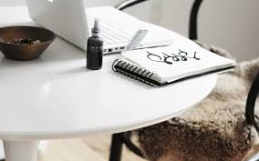 Circular Office Desk Circular Desks Are The New Trend In Office Decor Aphrochic