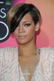 Frisuren Asymmetrischer Bob by Sidecut Asymmetrischer Bob Und Rihannas Frisuren