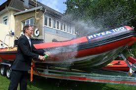 Dlrg Bad Nenndorf Dlrg Tauft Rettungsboot Nivea 100 Hochspezialisierte Boote Für