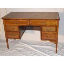 bureau en anglais bureau anglais en acajou à 6 tiroirs sur moinat sa antiquités