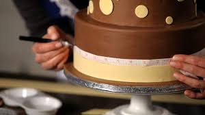 how to do a swirl design on a wedding cake howcast the best