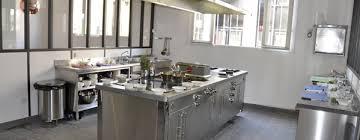 materiel de cuisine industriel comment équiper un restaurant techniques et conseils matériel