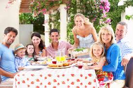 17 family reunion themes to plan bash wiser