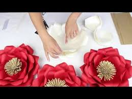 wedding backdrop tutorial diy paper flower tutorial my wedding flower backdrop