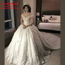 115 best stunning cathedral train wedding dress images on