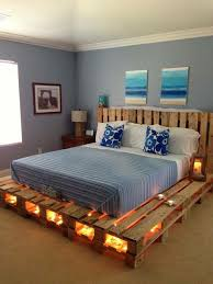 Diy King Platform Bed Frame by Best 25 Pallet Platform Bed Ideas On Pinterest Diy Bed Frame