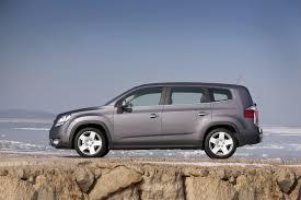 2012 chevrolet orlando debuts in canada automotorblog