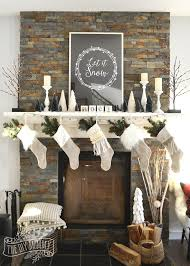 Images Of Mantels Decorated For Christmas Christmas Mantel Decorating Tricks The Diy Mommy