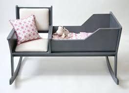 fauteuil chambre bébé allaitement fauteuil a bascule chambre bebe rocking chair with fauteuil a